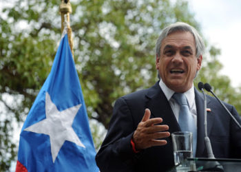 Chilean President-elect Sebastian Piñera speak during a press conference in Santiago, on January 18, 2010. Piñera, a Chilean billionaire media magnate, celebrated victory Monday after winning a runoff presidential election that put an end to a 20-year hold on power by the left-wing coalition of outgoing head-of-state Michelle Bachelet.  AFP PHOTO/Rodrigo ARANGUA (Photo credit should read RODRIGO ARANGUA/AFP/Getty Images)